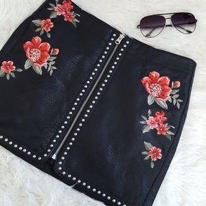 American eagle studded skirt size 10